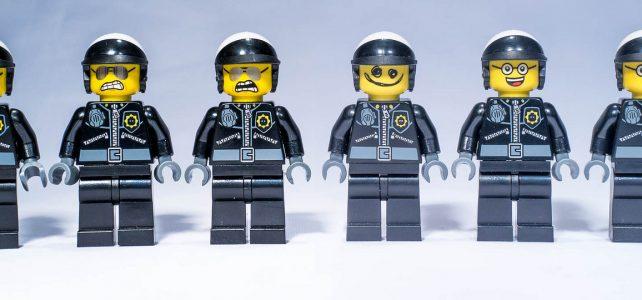 Bad Cop : tous ses visages officiels