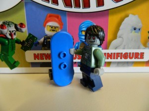 LEGO I Love That Minifigure Zombie Skateboarder 02