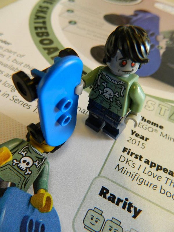 LEGO I Love That Minifigure Zombie Skateboarder 03