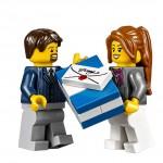 LEGO Creator Winter Village Winter Toy Shop (10249) 15