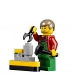 LEGO Creator Winter Village Winter Toy Shop (10249) 18