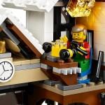 LEGO Creator Winter Village Winter Toy Shop (10249) 20
