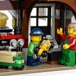 LEGO Creator Winter Village Winter Toy Shop (10249) 21