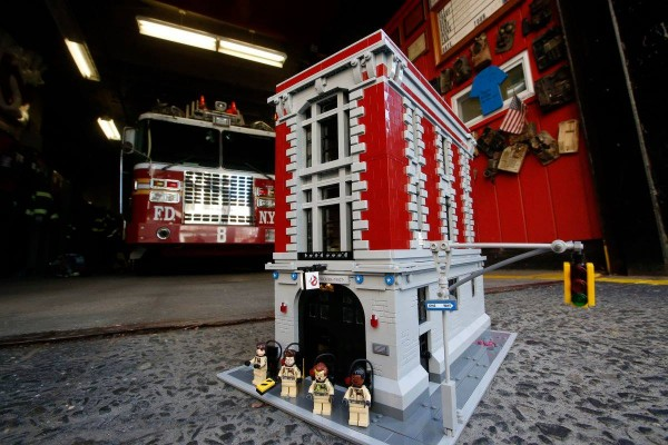 LEGO 75827 Ghostbusters Firehouse Headquarters 04