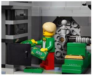 LEGO Creator Expert Modular 10251 Brick Bank 09