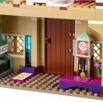 LEGO Disney Princess Frozen 41068 - Arendelle Castle Celebration 7