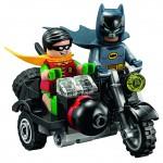 LEGO DC Comics Super Heroes Batman Classic TV Series Batcave 76052 - 09