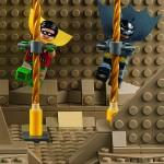 LEGO DC Comics Super Heroes Batman Classic TV Series Batcave 76052 - 23