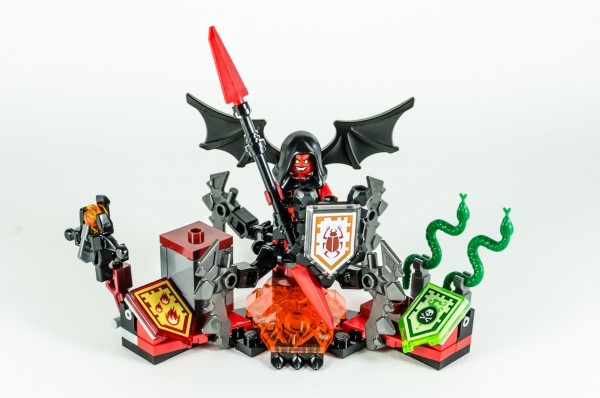 Review LEGO Nexo Knights 70335 Ultimate Lavaria 15