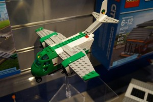 LEGO City 60101 Airport Cargo Plane 2