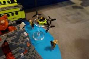 LEGO City 60124 Volcano Exploration Base 5