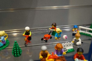 LEGO City 60134 Fun in the Park 4