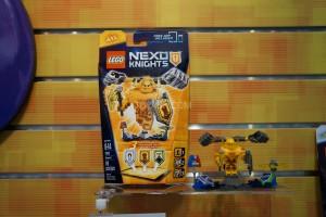 LEGO Nexo Knights 2016 01