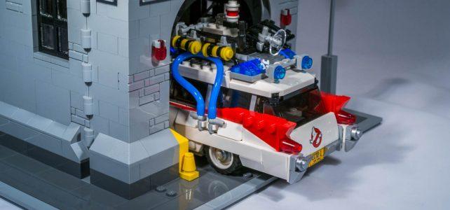 LEGO Ghostbusters Ecto-1 rentre-t-il dans le QG ?