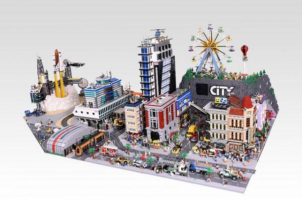 LEGO City fusée décollage ville