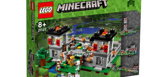 LEGO 21127 Minecraft The Fortress box