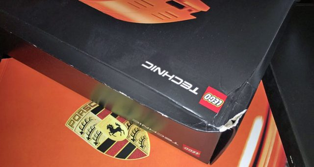 LEGO Technic 42056 Porsche 911 GT3 RS boite