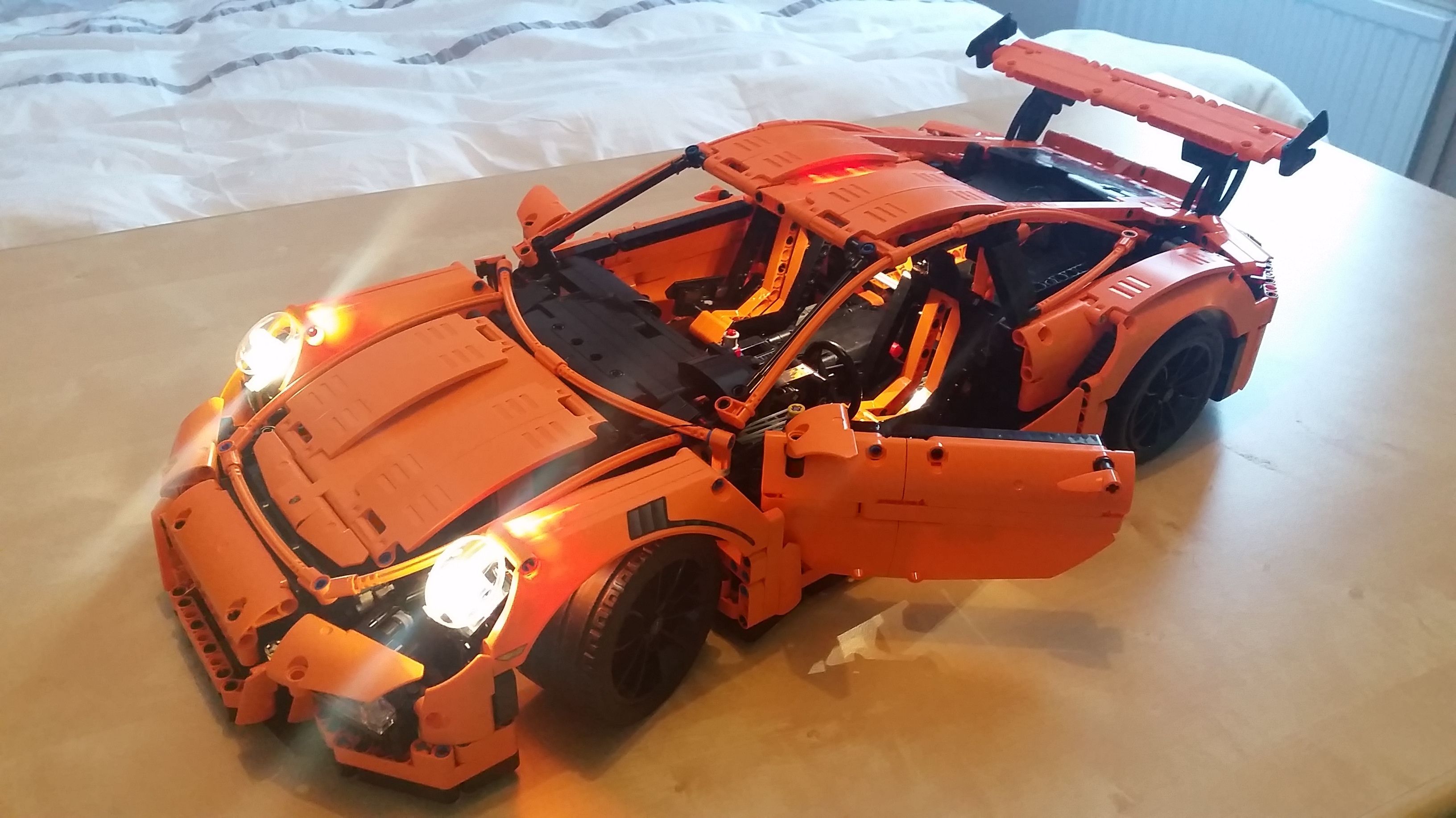 leds et porsche 911 gt3 rs pleins phares hellobricks blog lego. Black Bedroom Furniture Sets. Home Design Ideas
