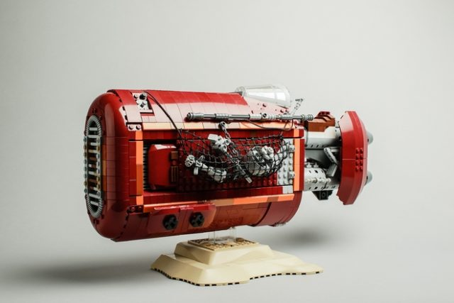 LEGO Ideas UCS Rey's Speeder