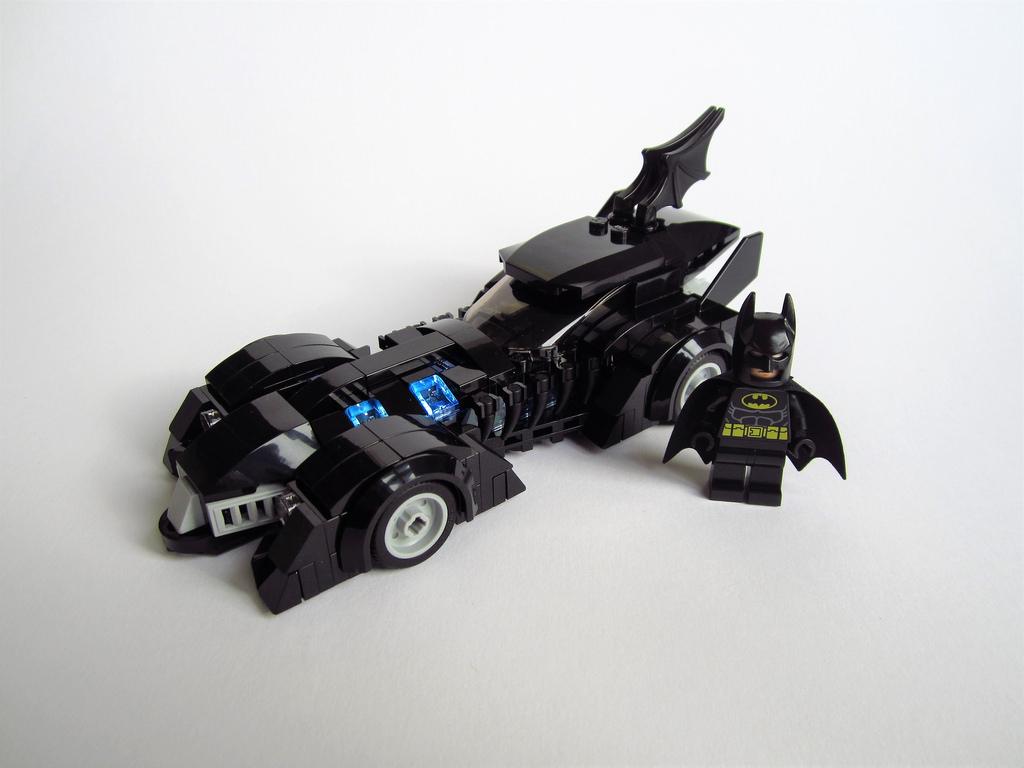 lego batman forever batmobile hellobricks blog lego. Black Bedroom Furniture Sets. Home Design Ideas