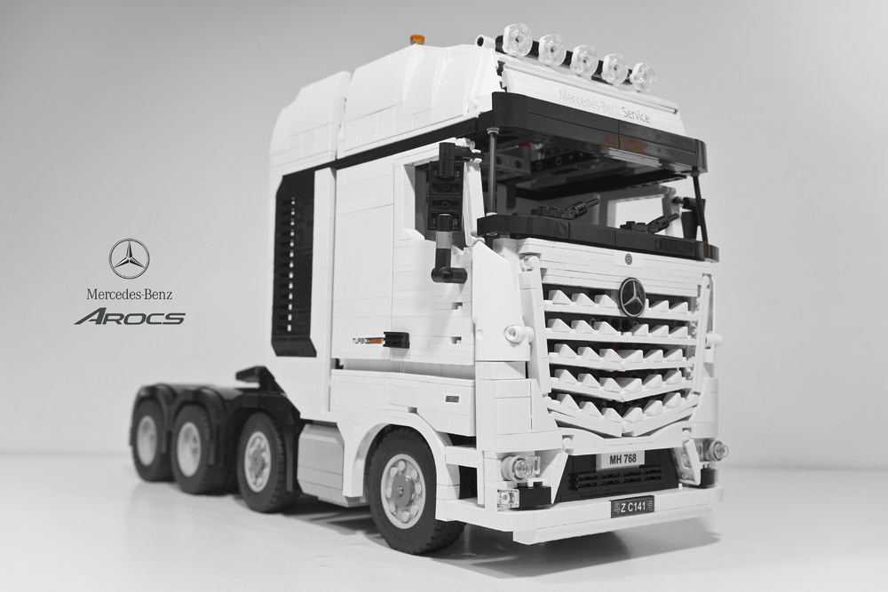 camion mercedes benz s arocs 4163 et camion grue scania r560 hellobricks blog lego. Black Bedroom Furniture Sets. Home Design Ideas