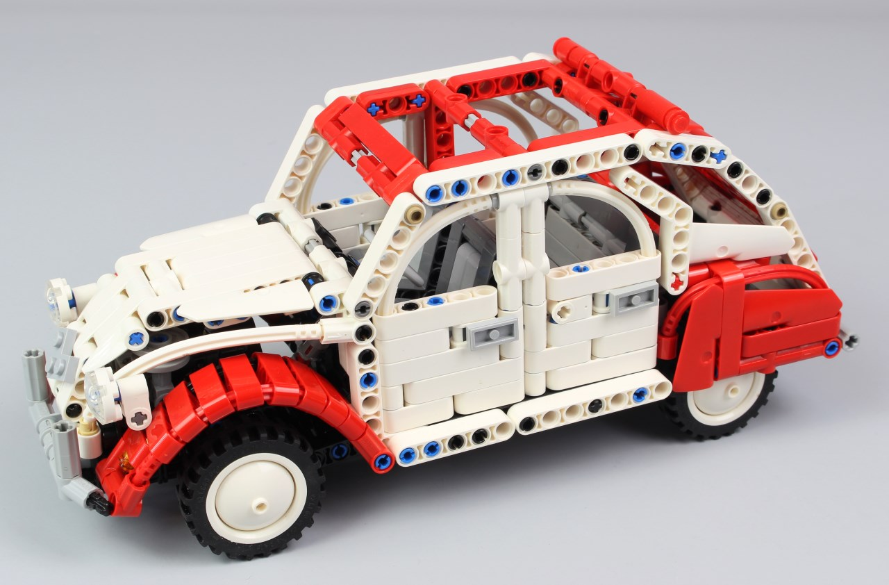 lego technic citro n 2cv hellobricks blog lego. Black Bedroom Furniture Sets. Home Design Ideas