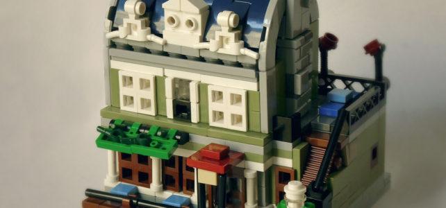 LEGO Modular Parisian Restaurant Microscale