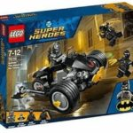 LEGO 76110 Batman The Attack of the Talons