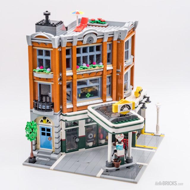 REVIEW LEGO 10264 Modular Corner Garage