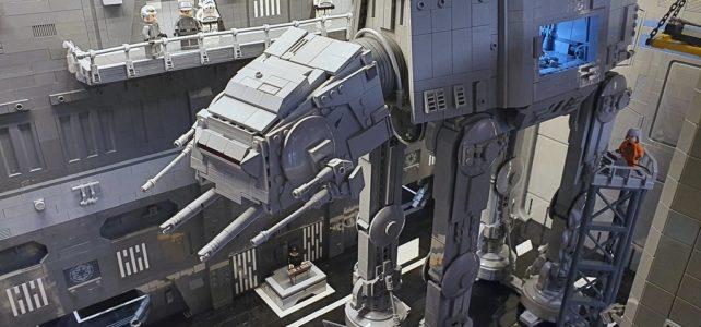 LEGO Star Wars AT-AT Maintenance Hangar
