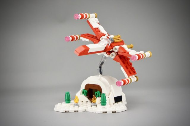 Micro LEGO Star Wars 4002019 Christmas X-Wing
