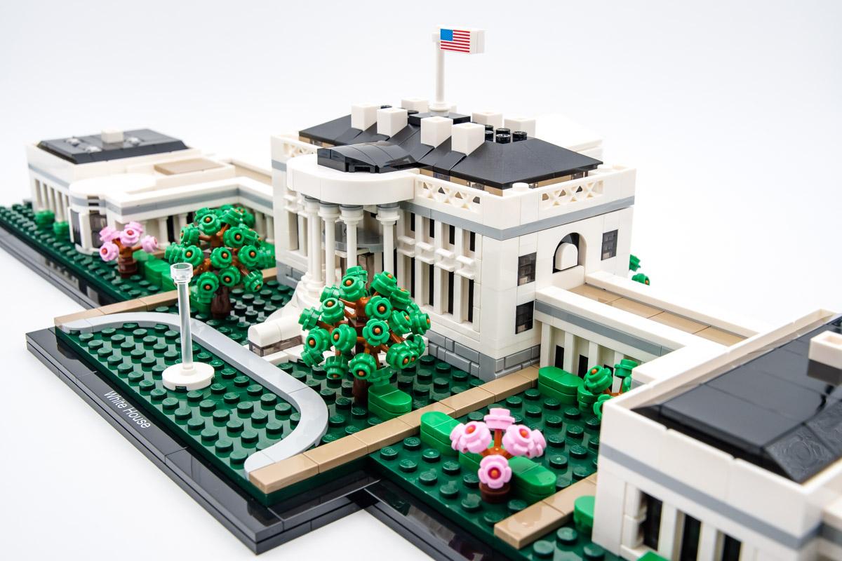 https://www.hellobricks.com/wp-content/uploads/2020/06/REVIEW-LEGO-Architecture-21054-White-House-10.jpg