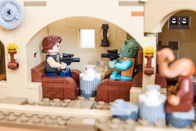 REVIEW LEGO Star Wars 75290 Mos Eisley Cantina