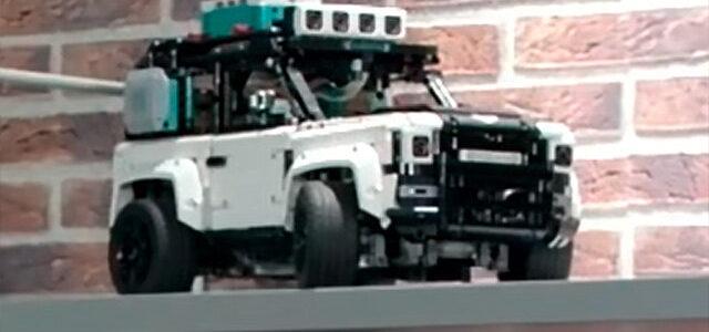 LEGO Mindstorms 42110 Land Rover Defender