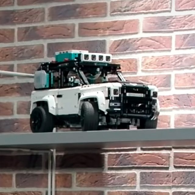 LEGO Mindstorms Land Rover Defender 42110