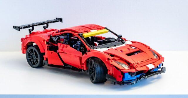 REVIEW LEGO Technic 42125 Ferrari 488 GTE AF Corse 51