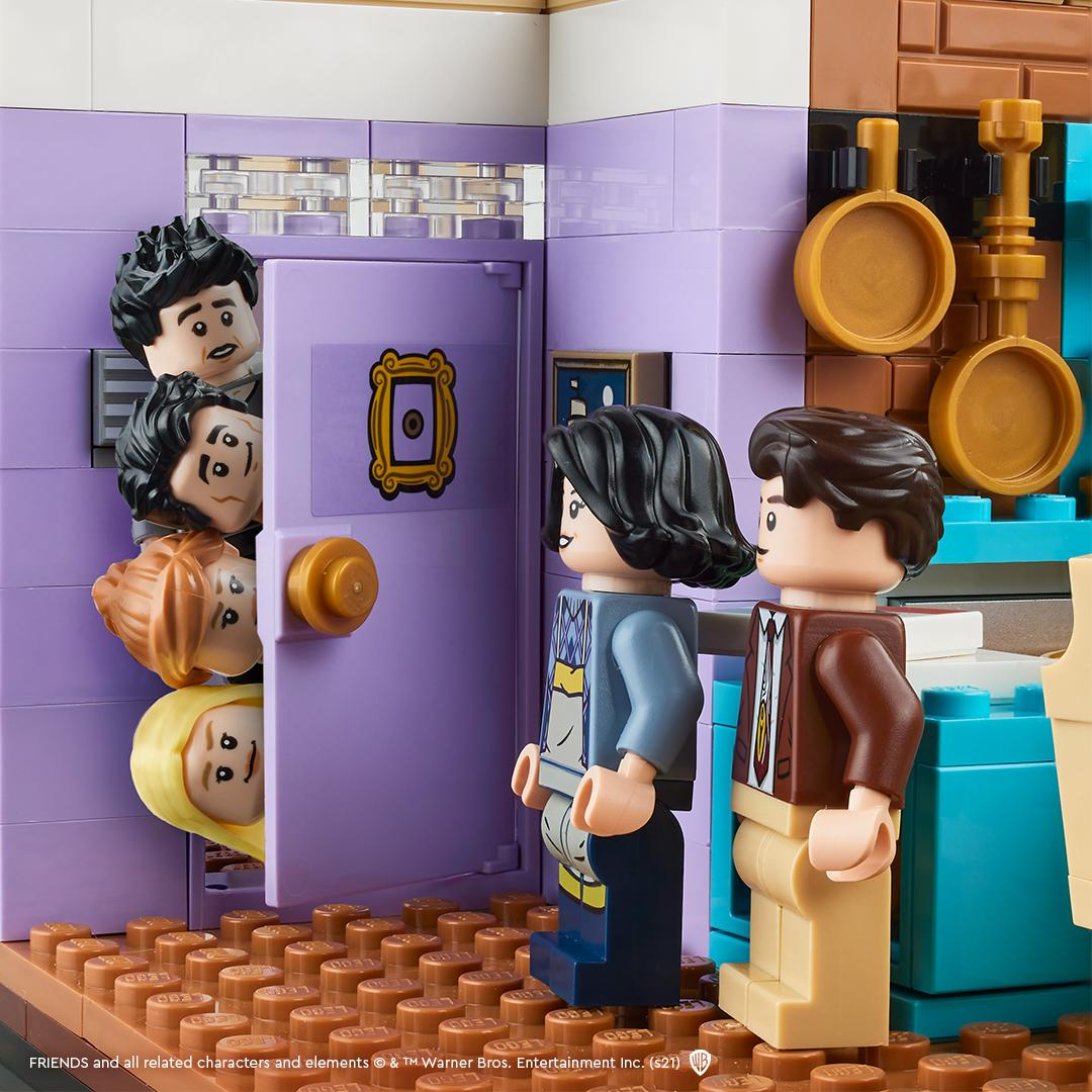 https://www.hellobricks.com/wp-content/uploads/2021/05/LEGO-10292-Friends-Monicas-Apartment.jpg