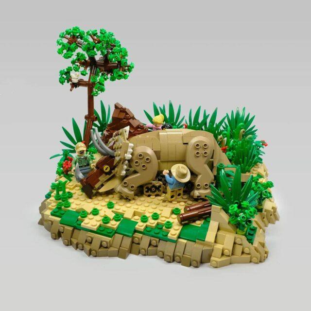 LEGO Jurassic Park sick Triceratops