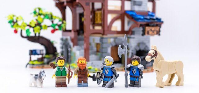 Review LEGO Ideas 21325 Medieval Blacksmith