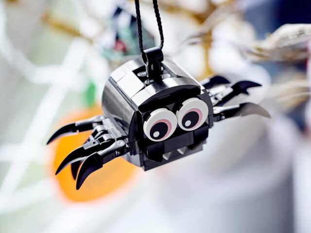 Review LEGO 40493 Spider & Haunted House Pack