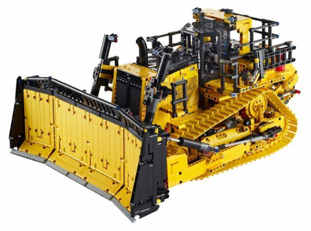 LEGO Technic 42131 App-Controlled CAT D11 Bulldozer