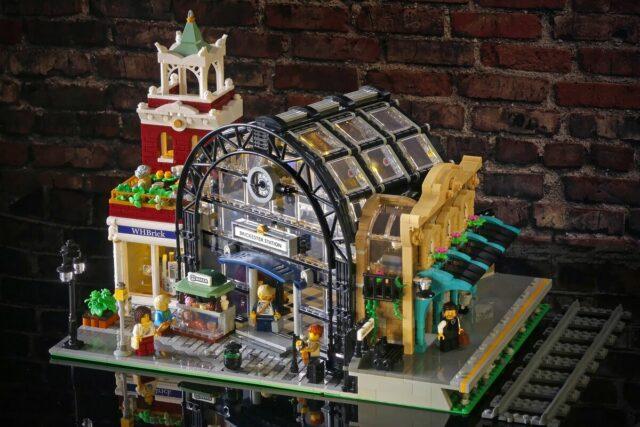 Gare LEGO Modular Lepralego